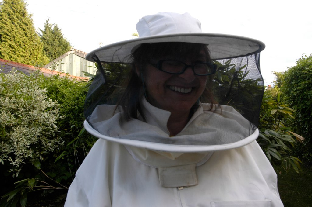 Bee hat for Behat